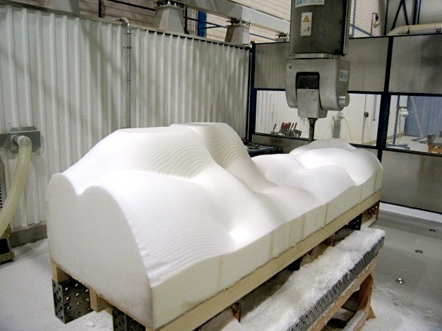 Foam cnc-milling,<br>first pass